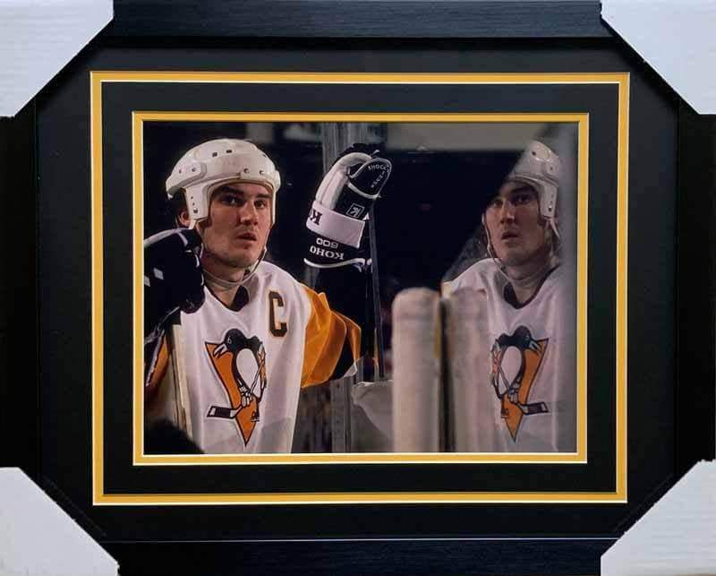 Mario Lemieux Unsigned 11x14 Reflection Photo - Professionally Framed