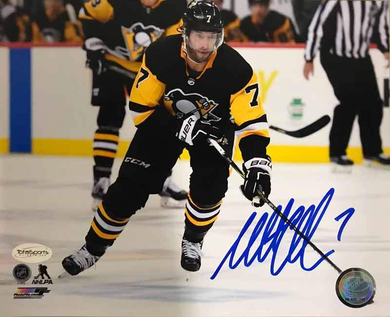 Matt Cullen Autographed Skating with Puck 8x10 Photo