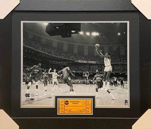 Michael Jordan Shooting Unsigned B&W 16x20 Photo with Replica Ticket from First Game - Professionally Framed