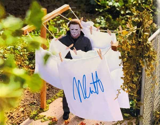 Nick Castle (Michael Myers) Signed Halloween Standing Outside 11x14 Photo