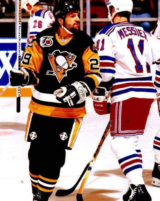 Phil Bourque Skating in Black Stick Up Unsigned 8x10 Photo