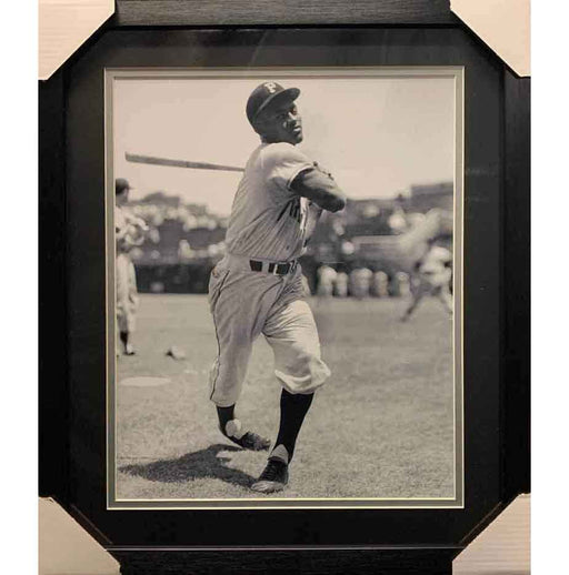Roberto Clemente Unsigned Professionally Framed Swinging 16X20 Photo