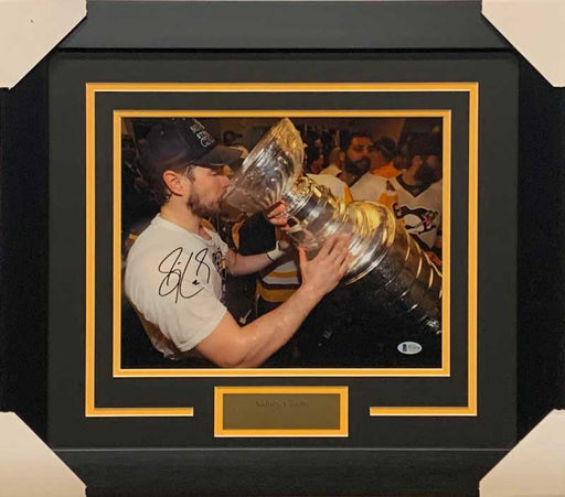 Sidney Crosby Signed Drinking from Cup 11x14 Photo - Professionally Framed