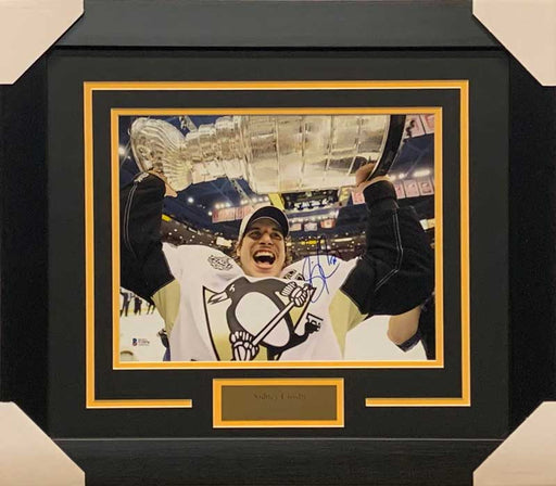Sidney Crosby Signed Holding Cup Close-up 11x14 Photo - Professionally Framed