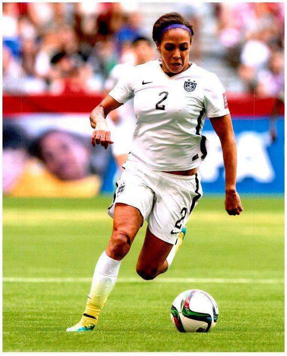 Sydney Leroux Unsigned Drbbling Soccer Ball 8x10 Photo (2015)
