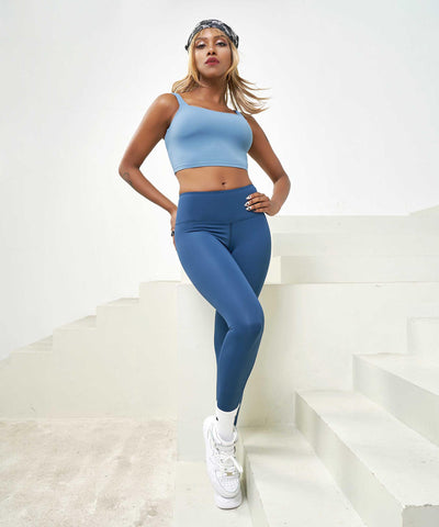 Smooth Breathable Legging with Free Stitch Ankle Detail
