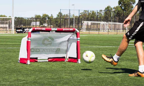 ALUMINIUM FOLDING GOAL-SETS UP IN SECONDS