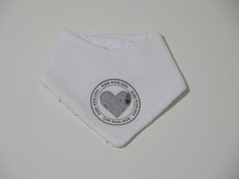Elfi e Fate bandana bib with grey heart