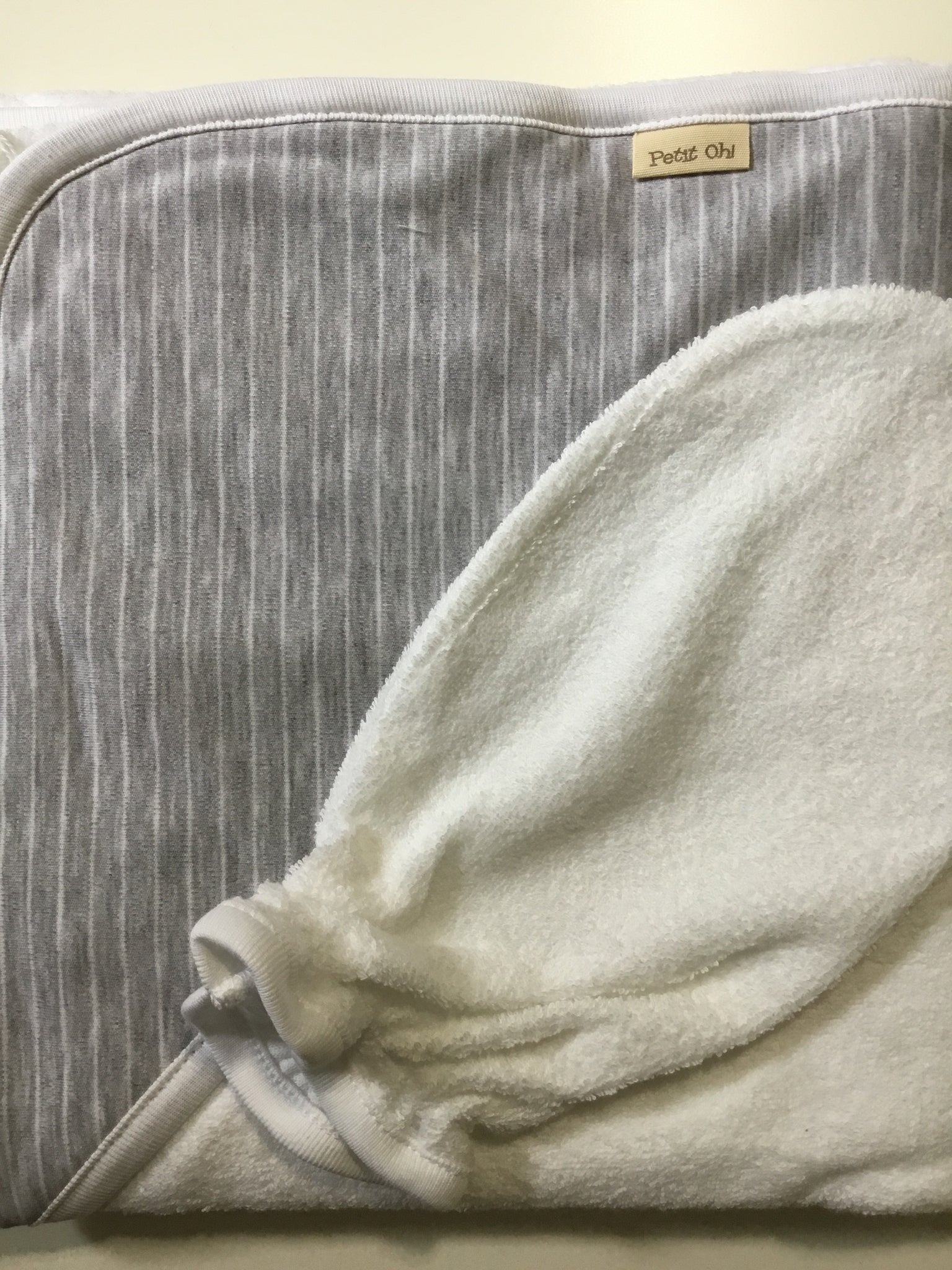 Petit oh grey hooded towel with mit