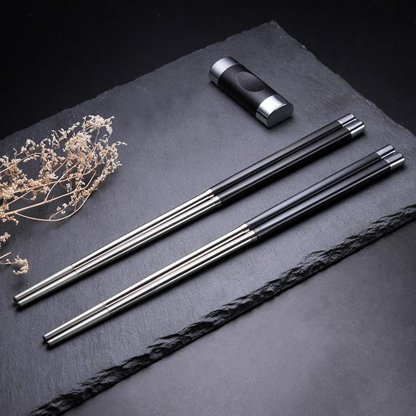 riku chopsticks and holders
