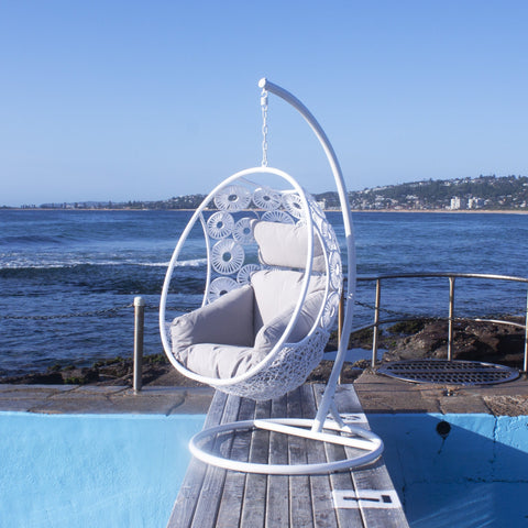 Oasis Pod Chair in White