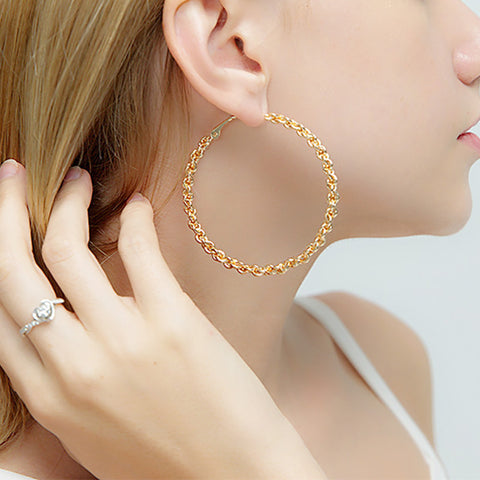 Simple and perfect circle metal chain earrings