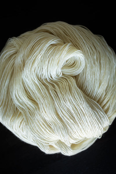Twig Fingering Weight Single-Ply Merino Yarn