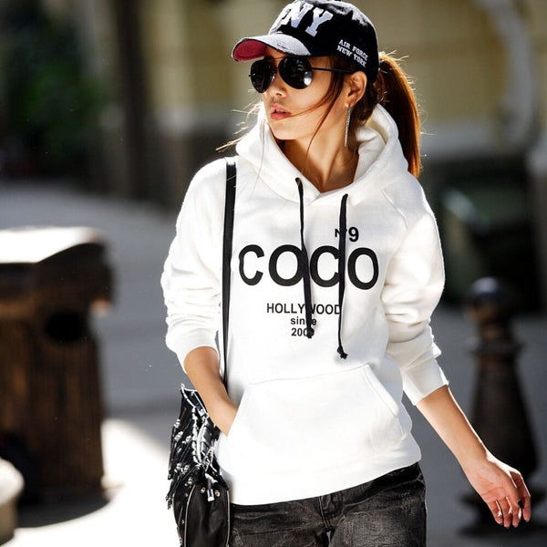 hoodie hollywood femme lunettes soleil casquette