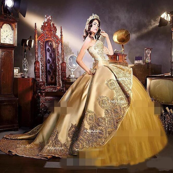 Gold Embrodiery Appliques gothic Quinceanera Dresses with Detachable cathedral train Sweet 16 Birthday Party Pageant Masque