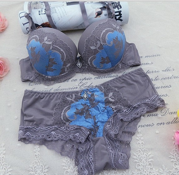 DKERT ABC 75 80 85 90 95 Thong Bra Set Push Up Lace Women Underwear Panty Set Set Hollow Out G String Embroidered Bra Brief Sets
