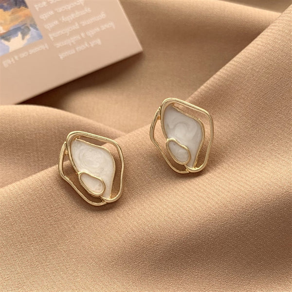 Korean Temperament Minimalistic Geometric irregular Shell Stud Earrings For Women Personality Wild Ins Elegant Female