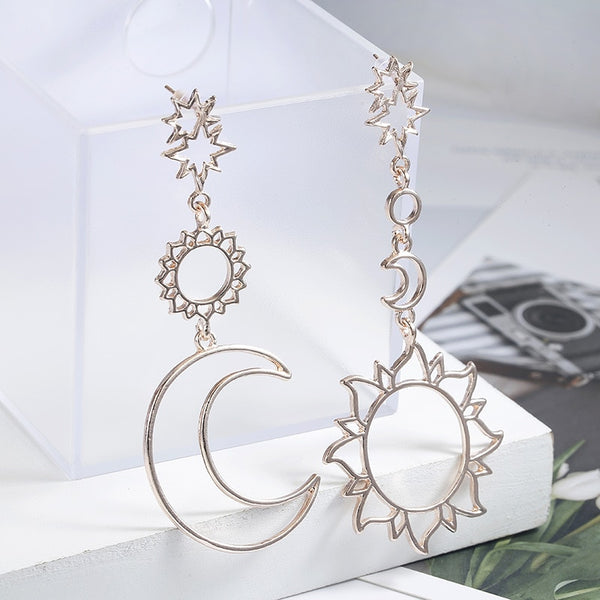 Korean Version Of The Fashion New Earrings Simple Sun God Moon God Asymmetric Exaggeration Earrings Ladies Wholesale