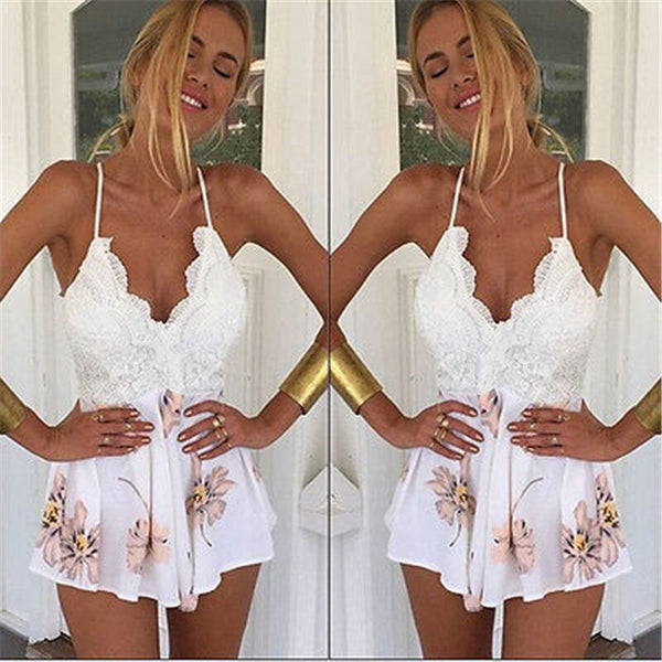 Sexy Lace V-Neck Backless Playsuit Women Short Jumpsuit Ladies Loose Elegant Bodycon Short Floral Romper Women macacao feminino