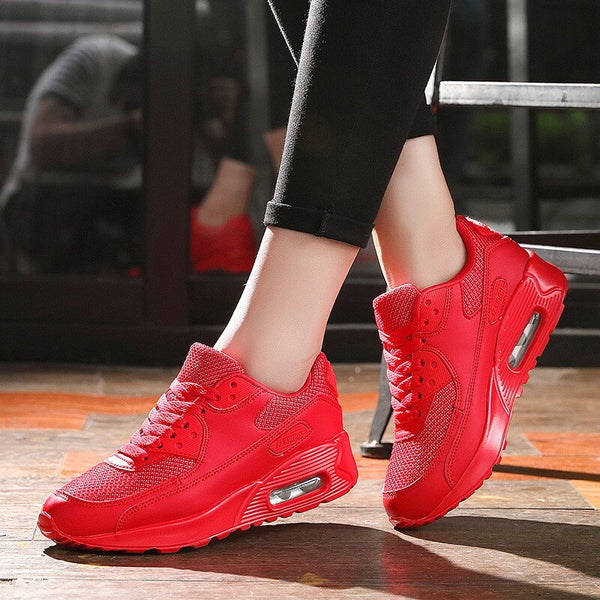 Sports Shoes Woman Fashion Sneakers Men zapatos de mujer Breathable Soft Athletics Women Running Shoes Hot Women Sneakers