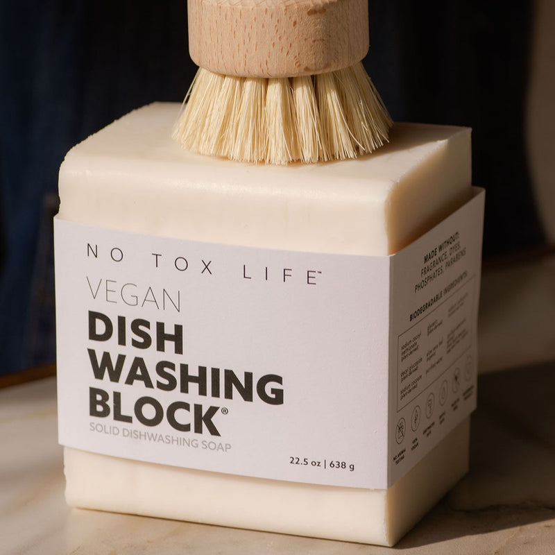 A vegan zero-waste vegan dish block® dish washing soap to cuts stubborn grime and grease, take stains out of laundry, wipe down counters. 638 GR