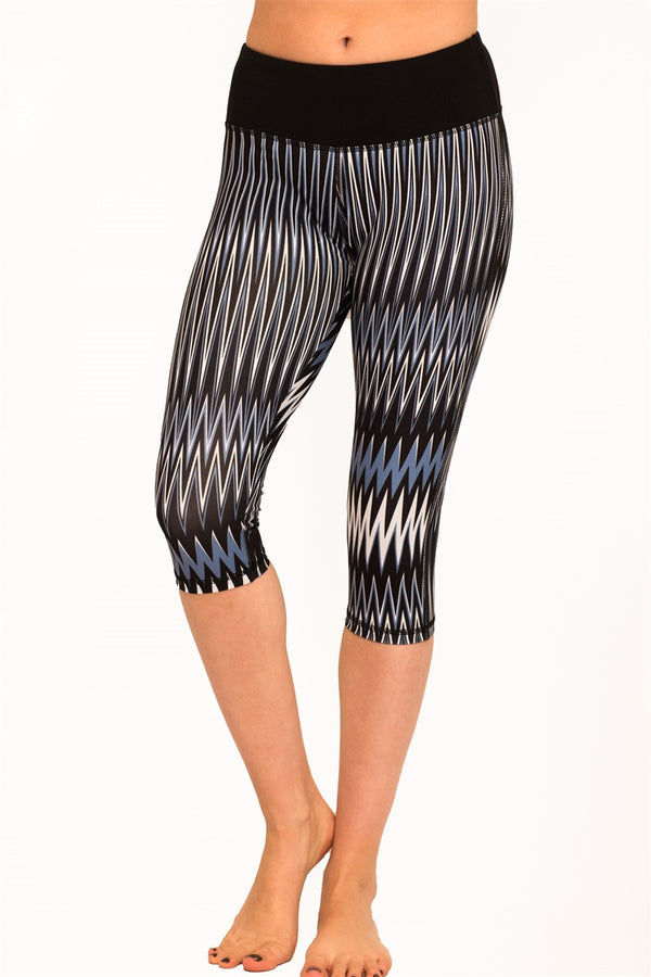 Yoga Wave Print Capri Leggings