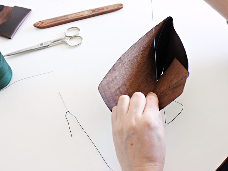 slim leather wallet hand stitching