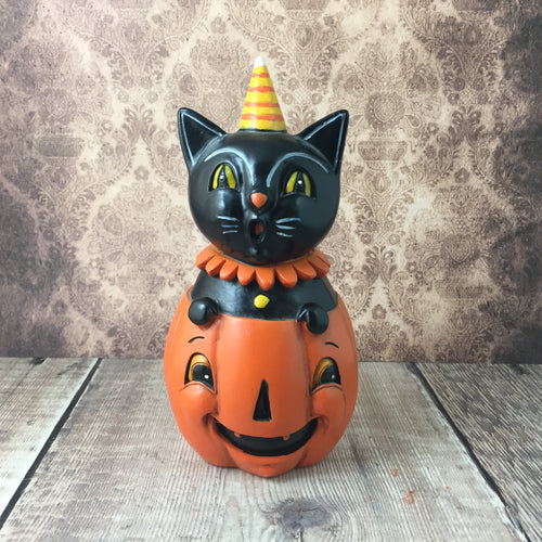 Peekaboo Pumpkin Scaredy Cat Figurine - Back Soon!