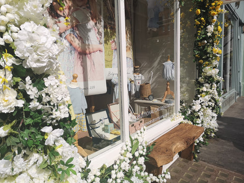 Belgravia in Bloom Pepa & Co. Shop Front White Flowers Bench