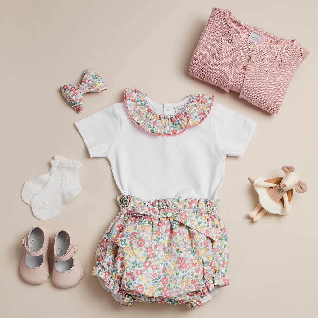 9388ffa4ed7 CLASSIC COTTON BABY BODYSUIT WITH PINK FLORAL COLLAR