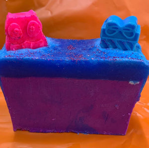 "LARGE ""BUBBLEGUM LOVERS"" HANDCRAFTED SOAP"