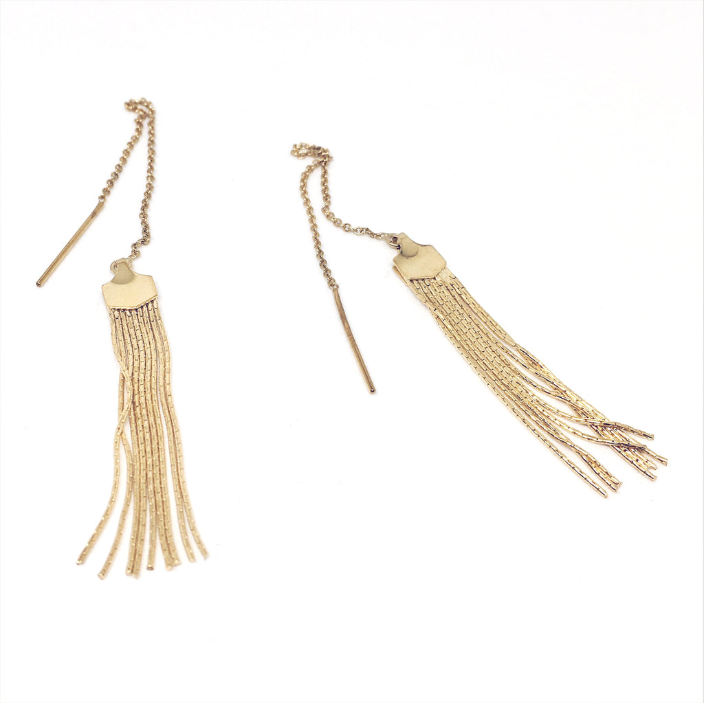 TASSEL EAR THREADER