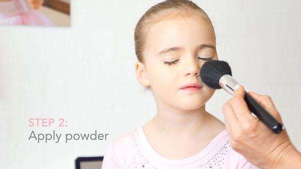 Ballet Stage Make-Up Apply Powder