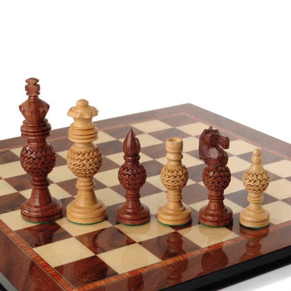 Handcrafted Medium Sandalwood/Bud Rosewood Chess Pieces by Giglio Asla, Italy