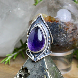 Warrior Ring // Amethyst  - Size 8 - Acid Queen Jewelry