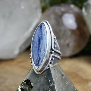 Warrior Ring // Kyanite - Size 8 - Acid Queen Jewelry