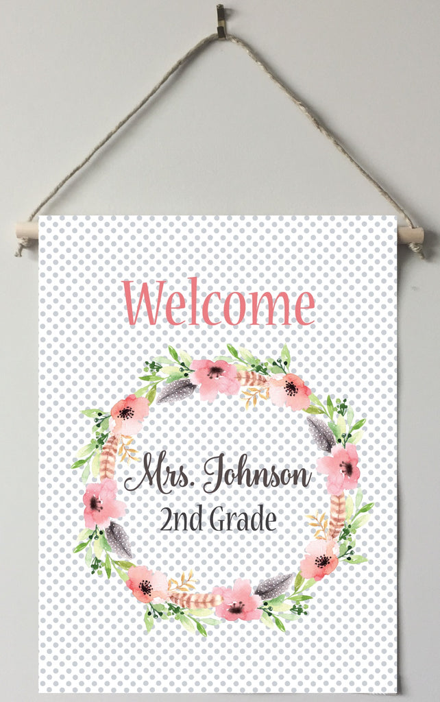 dt04 Peach Floral Teacher Door/Room Sign
