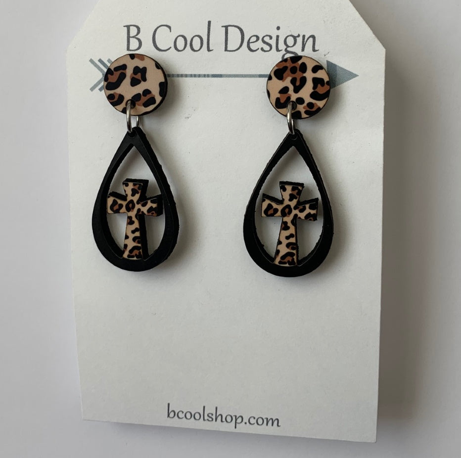 sw25 Black/Leopard Cross Earring