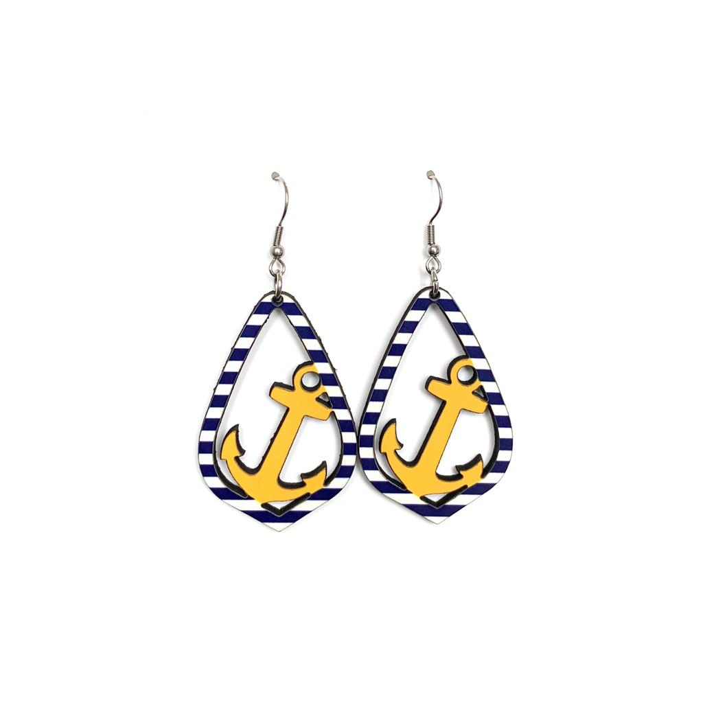 cer03 Anchor Earring
