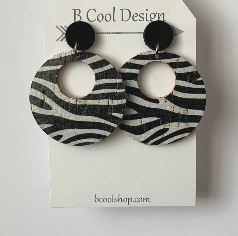 sl04-Signature Circle Zebra Cork Earring