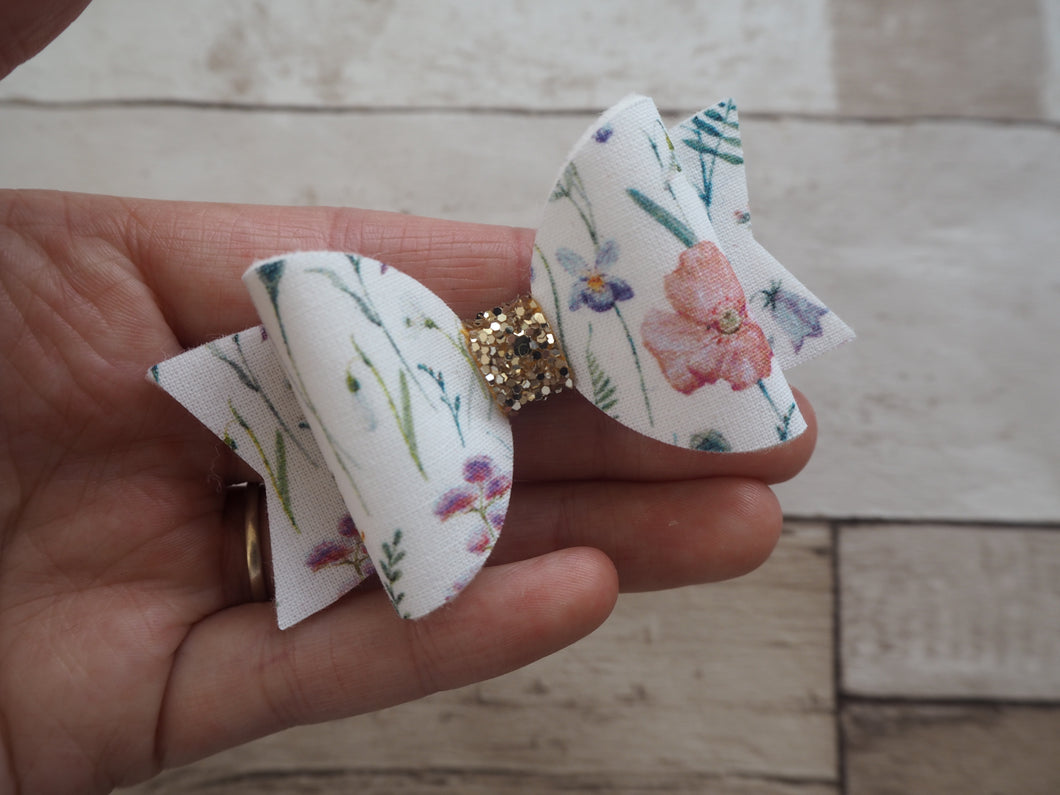 wildflowers medium dolly bow