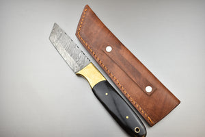 Handmade Damascus Steel Fixed Blade Hunting Skinner Knife - Full Tang Knife - Bull Horn Handle TBP-059 - The Blade Point