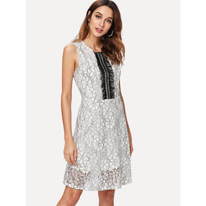 Contrast Lace Floral Pattern Shell Dress