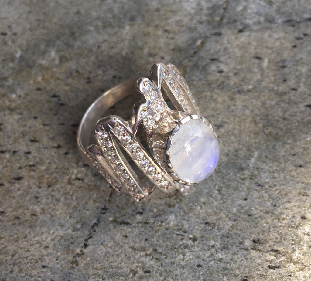 Moonstone Ring, Moonstone Rainbow, Retro Ring, June Birthstone, Rainbow Moonstone, June Ring, Solid Silver Ring, Pure Silver, Healing Stones