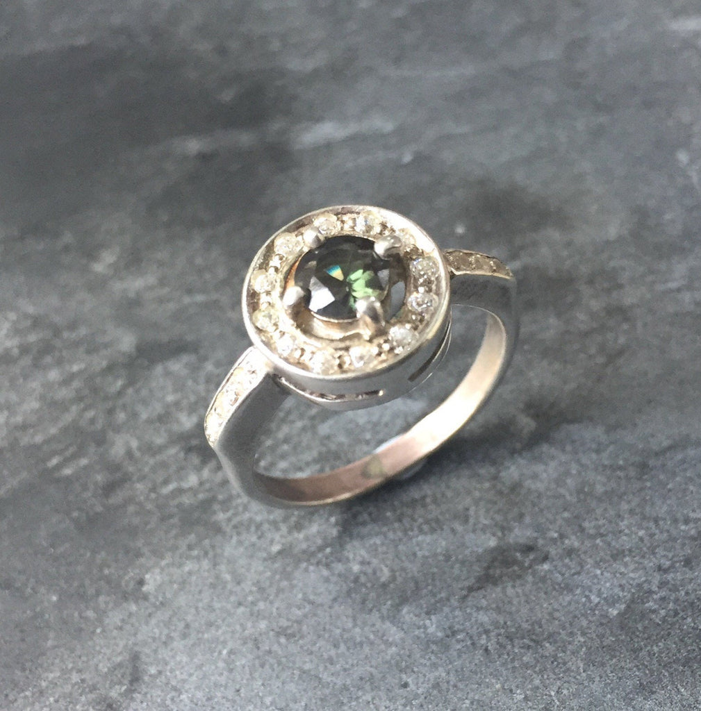Green Diamond Ring, Created Diamond, CZ Diamonds Ring, Diamond Cut, Solid Silver Ring, Sterling Silver Ring, Vintage Rings, Dark Green Stone