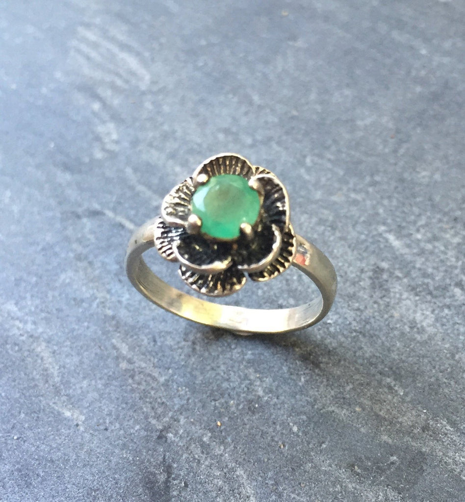 Flower Ring, Emerald Ring, Natural Emerald, 1 Carat Emerald, May Birthstone, May Ring, Natural Emerald Ring, Solid Silver Ring, Pure Silver