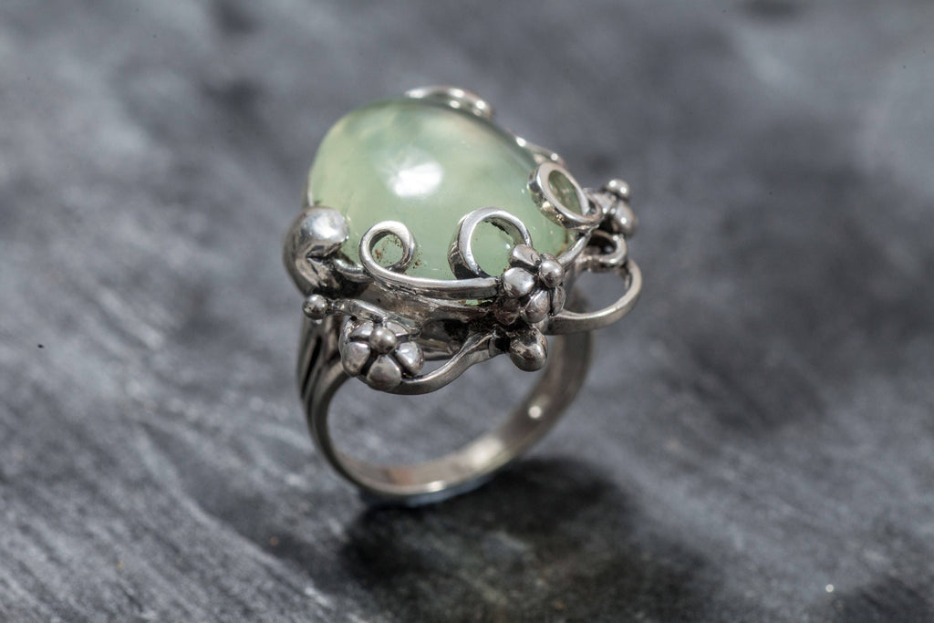 Prehnite Ring, Natural Prehnite, May Birthstone Ring, Leaf Ring, Healing Stones, Green Ring, Vintage Rings, Green Stone, Solid Silver Ring