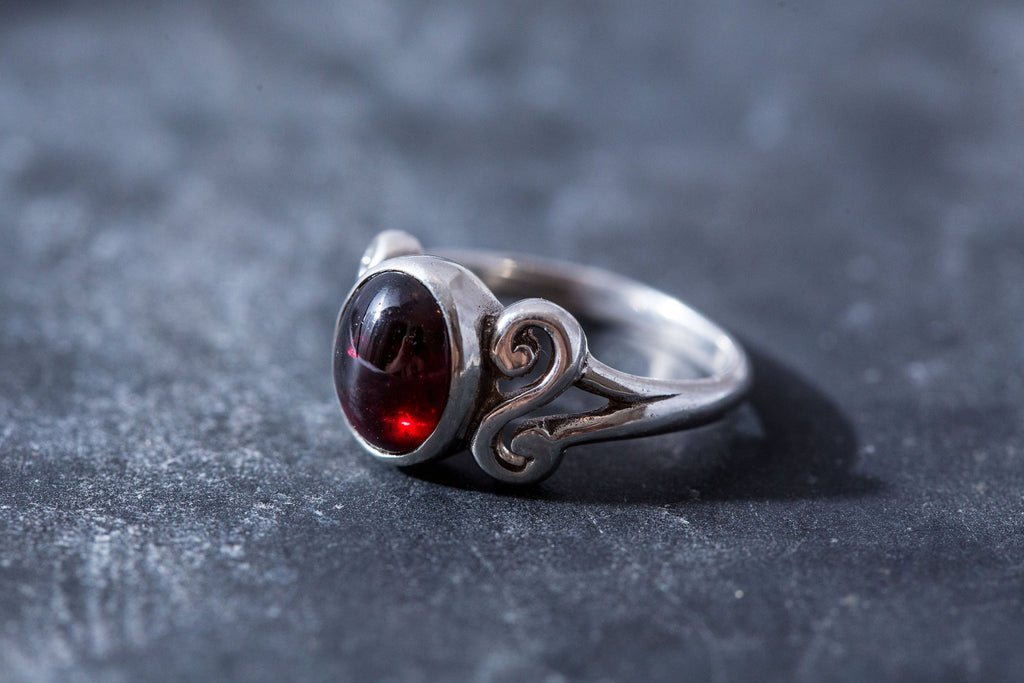 Garnet Ring, Natural Garnet Ring, January Birthstone, Red Garnet Ring, Vintage Rings, Vintage Ring, Solid Silver Ring, Vintage Band, Garnet