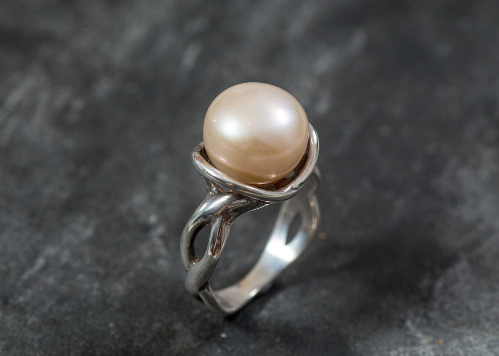 Pearl Ring, Beige Pearl, Natural Pearl Ring, June Birthstone, Vintage Pearl Ring, Vintage Style, June Ring, Solid Silver Ring, Pearl