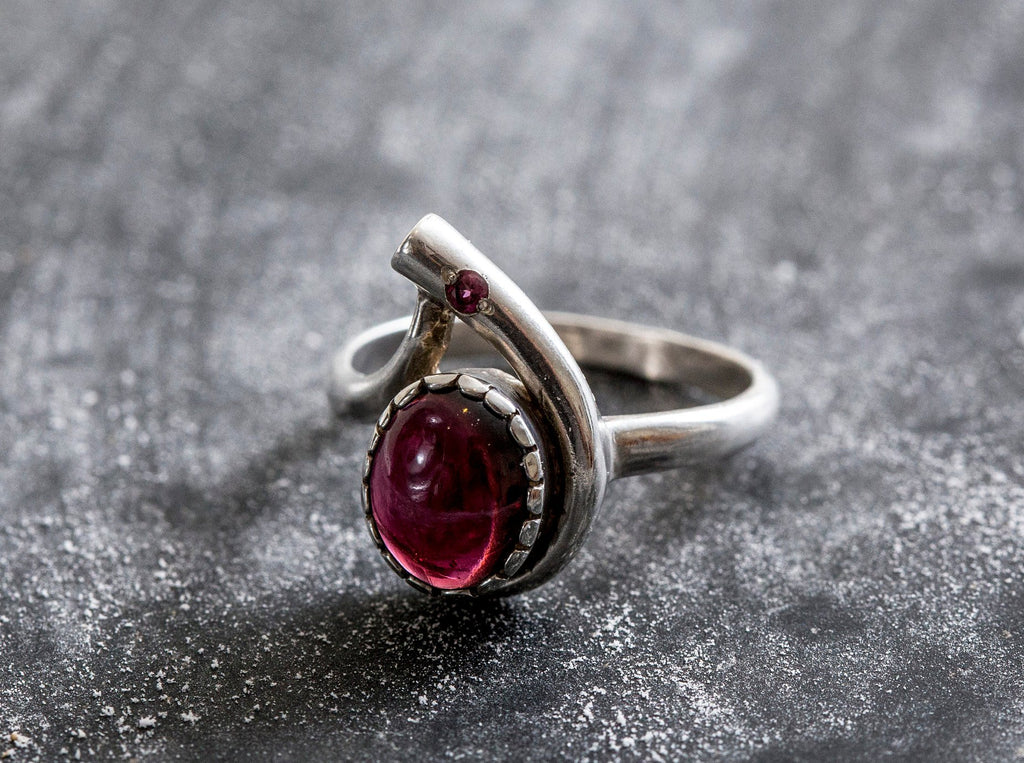 Large Garnet Ring, Natural Garnet Ring, January Birthstone, Red Garnet Ring, Vintage Rings, Vintage Red Ring, Vintage Silver Ring, Garnet